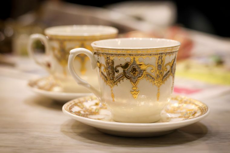 A Guide To Tea Drinking Etiquette